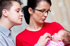Οικογενειακό πορτρέτο με το μωρό Στοκ φωτογραφία με δικαίωμα ελεύθερης χρήσης
