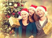 Οικογενειακό πορτρέτο Χριστουγέννων Στοκ φωτογραφίες με δικαίωμα ελεύθερης χρήσης