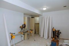 Οικοδόμησης κτηρίου βιομηχανίας νέα ταινία ξηρών τοίχων εγχώριας οικοδόμησης εσωτερική Τοίχοι ασβεστοκονιάματος γύψου οικοδόμησης Στοκ εικόνες με δικαίωμα ελεύθερης χρήσης