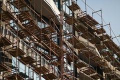 Οικοδόμηση ενός multi-storey κατοικημένου κτηρίου πολυόροφων κτιρίων στοκ φωτογραφίες