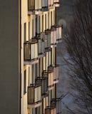Οικοδόμηση με τα μπαλκόνια στοκ εικόνα με δικαίωμα ελεύθερης χρήσης