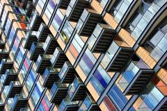 Οικοδόμηση με τα μπαλκόνια Στοκ φωτογραφία με δικαίωμα ελεύθερης χρήσης