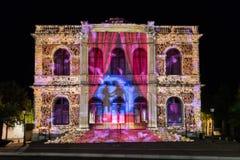 Οικοδόμηση του ελαφριού φεστιβάλ Chartres προσόψεων στοκ φωτογραφίες με δικαίωμα ελεύθερης χρήσης