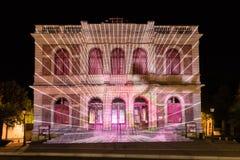 Οικοδόμηση του ελαφριού φεστιβάλ Chartres προσόψεων στοκ φωτογραφία με δικαίωμα ελεύθερης χρήσης