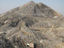 Οικολογική καταστροφή, βουνά των συντριμμιών Στοκ Φωτογραφία