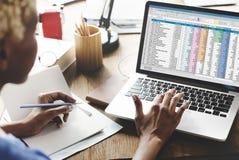 Οικονομική έννοια ξεκινήματος πληροφοριών εγγράφων υπολογισμών με λογιστικό φύλλο (spreadsheet) Στοκ φωτογραφία με δικαίωμα ελεύθερης χρήσης