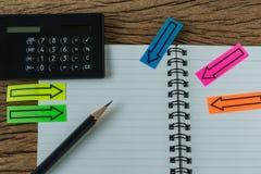 Οικονομική έννοια στόχων ως εκλεκτική εστίαση στο μολύβι στο άσπρο π Στοκ εικόνα με δικαίωμα ελεύθερης χρήσης