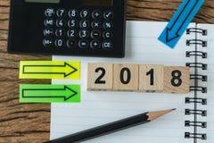 Οικονομική έννοια στόχων ως εκλεκτική εστίαση στο woode αριθμού 2018 Στοκ φωτογραφία με δικαίωμα ελεύθερης χρήσης