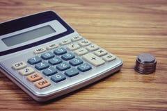 Οικονομική λογιστική με τις εκθέσεις εγγράφου Στοκ φωτογραφίες με δικαίωμα ελεύθερης χρήσης
