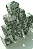 οικονομική πυραμίδα χρημά&t Στοκ Φωτογραφίες