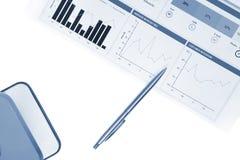 Οικονομικό analytics, επιχειρησιακή ιδέα, διαγράμματα και γραφικές παραστάσεις, στατιστικές αγοράς, γραφική έκθεση, υπόβαθρο μάρκ Στοκ Εικόνα