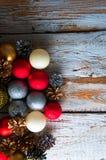 οικολογικός ξύλινος διακοσμήσεων Χριστουγέννων Τοπ όψη Copyspace Στοκ φωτογραφία με δικαίωμα ελεύθερης χρήσης