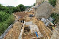 Οικοδόμηση ένας νέοι δρόμος και μια αποκατάσταση του αρχαίου κτηρίου στο Λουξεμβούργο Στοκ φωτογραφία με δικαίωμα ελεύθερης χρήσης