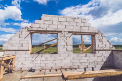 Οικοδόμηση ενός νέου σπιτιού Στοκ φωτογραφία με δικαίωμα ελεύθερης χρήσης
