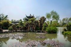 Οικοδόμηση κήπων της λεπτής δυτικής λίμνης Yangzhou Στοκ εικόνες με δικαίωμα ελεύθερης χρήσης