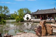 Οικοδόμηση κήπων της λεπτής δυτικής λίμνης Yangzhou Στοκ Φωτογραφίες