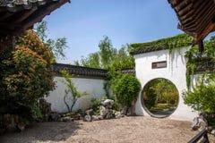 Οικοδόμηση κήπων της λεπτής δυτικής λίμνης Yangzhou Στοκ φωτογραφίες με δικαίωμα ελεύθερης χρήσης