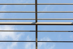 Οικοδόμηση κατοικημένου κτηρίου ζευκτόντων στεγών ακτίνων χάλυβα Στοκ Εικόνες