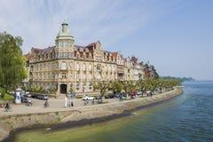 οικοδόμηση κοντά στη θάλα& Στοκ εικόνες με δικαίωμα ελεύθερης χρήσης