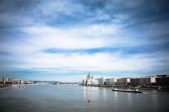 Οικοδόμηση του Κοινοβουλίου στη Βουδαπέστη Στοκ εικόνα με δικαίωμα ελεύθερης χρήσης