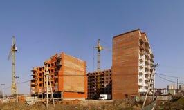 Οικοδόμηση του νέου κτηρίου Κατασκευή του Bu πολυ-διαμερισμάτων Στοκ εικόνα με δικαίωμα ελεύθερης χρήσης