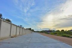 Οικοδόμηση του δρόμου στην ταϊλανδική επαρχία Στοκ εικόνα με δικαίωμα ελεύθερης χρήσης