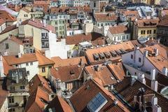 Οικοδόμηση των στεγών στην παλαιά πόλη της Πράγας στοκ εικόνες