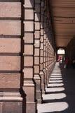 Οικοδόμηση arcade με τις στήλες San Luis Ποτόσι Στοκ εικόνα με δικαίωμα ελεύθερης χρήσης