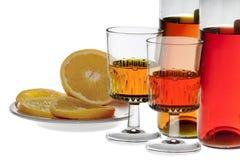Οινοπνευματώδες ποτό με το πορτοκάλι Στοκ Φωτογραφίες