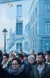 Οι άνθρωποι βαδίζουν σε έναν πολίτη Μάρτιος στο Angouleme, Γαλλία στο 11ο του Ιανουαρίου του 2015 μετά από τη δολοφονία στο Charl Στοκ Φωτογραφίες