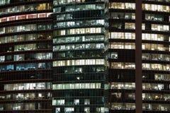 Οι άνθρωποι εργάζονται στα γραφεία Στοκ Φωτογραφίες