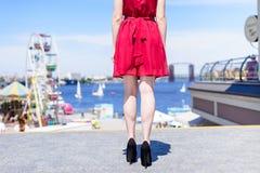 Οι άνθρωποι σταματούν κομψά παπούτσια σουέτ δέρματος βαθμολόγησης τρόπου ζωής ομο στοκ εικόνα με δικαίωμα ελεύθερης χρήσης