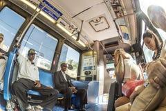 Οι άνθρωποι στο στο κέντρο της πόλης μετρό μεταφέρουν στο Μαϊάμι, ΗΠΑ Στοκ Εικόνες