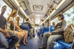 Οι άνθρωποι στο στο κέντρο της πόλης μετρό μεταφέρουν στο Μαϊάμι, ΗΠΑ Στοκ Φωτογραφία