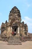 Οι άνθρωποι ταξιδεύουν σε Phra Prang Sam Yod Στοκ φωτογραφία με δικαίωμα ελεύθερης χρήσης