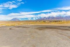 Οι Άνδεις, δρόμος Cusco- Puno, Περού, Νότια Αμερική. 4910 μ ανωτέρω. Η πιό μακροχρόνια ηπειρωτική σειρά βουνών στον κόσμο Στοκ Εικόνες