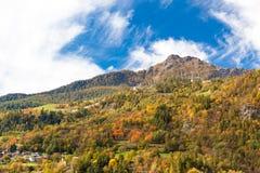 Οι Άλπεις: τοπίο στην εποχή πτώσης Στοκ Εικόνα