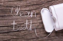 Οι λέξεις καθαρίζουν τα δόντια του οδοντικού νήματος Στοκ Εικόνες