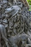 Οι ήρωες των μύθων Krylov ` s, στο βάθρο του μνημείου του, Στοκ εικόνες με δικαίωμα ελεύθερης χρήσης