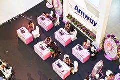 Οι αεροσυνοδοί από AMWAY συμβουλεύουν στοκ φωτογραφίες με δικαίωμα ελεύθερης χρήσης