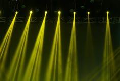 οι ακτίνες λέιζερ θέτουν το στάδιο στο επίκεντρο Στοκ Φωτογραφία
