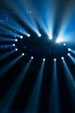 οι ακτίνες λέιζερ θέτουν το στάδιο στο επίκεντρο Στοκ Φωτογραφίες