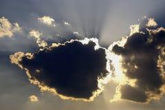 Οι ακτίνες του ήλιου κατεβαίνουν Στοκ φωτογραφίες με δικαίωμα ελεύθερης χρήσης