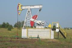 Οι αντλίες αντλιών πετρελαίου Στοκ εικόνες με δικαίωμα ελεύθερης χρήσης