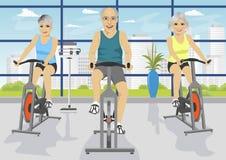 Οι ανώτεροι άνθρωποι που επιλύουν στην ικανότητα στρέφονται στα ποδήλατα άσκησης απεικόνιση αποθεμάτων