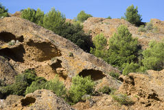 Οι απότομοι βράχοι ασβεστόλιθων Στοκ Φωτογραφία
