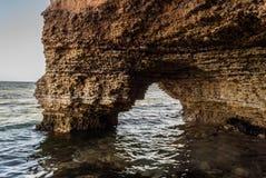 Οι απότομοι βράχοι της Μαύρης Θάλασσας Στοκ εικόνα με δικαίωμα ελεύθερης χρήσης