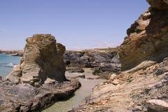 Οι απότομοι βράχοι του Πόρτο Covo (Πορτογαλία) Στοκ εικόνες με δικαίωμα ελεύθερης χρήσης
