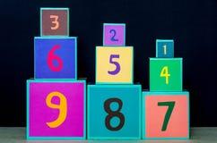 Οι αριθμοί στους κύβους Στοκ φωτογραφία με δικαίωμα ελεύθερης χρήσης