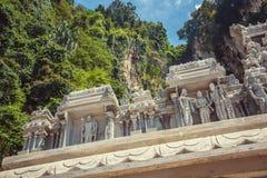 Οι αριθμοί των ινδών Θεών που χαράζονται στην πέτρα στην πρόσοψη, Batu ανασκάπτουν, Κουάλα Λουμπούρ Στοκ Εικόνα